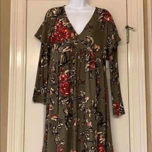 Uncle Frank Dress XS green with flowers & ruffles